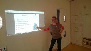 Unsere Therapeutische Leitung Anika Lubitz beim Vortrag